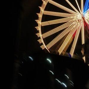 ITwo Rivers Mall Ferris Wheel - Night View4
